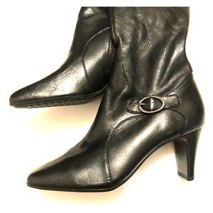 Liz Claiborne knee high boots black 51/2